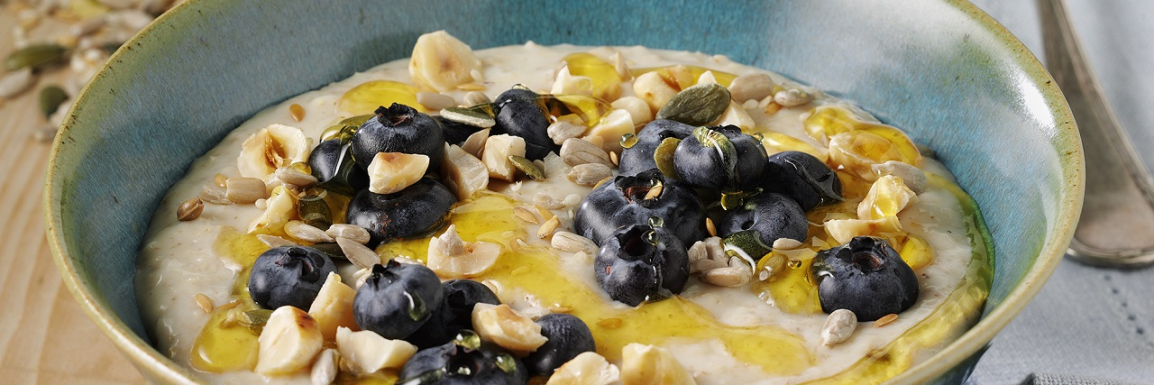 Blueberry & Hazelnut Porridge